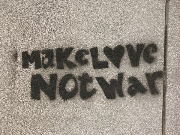1432437-Make-Love-Not-War-0
